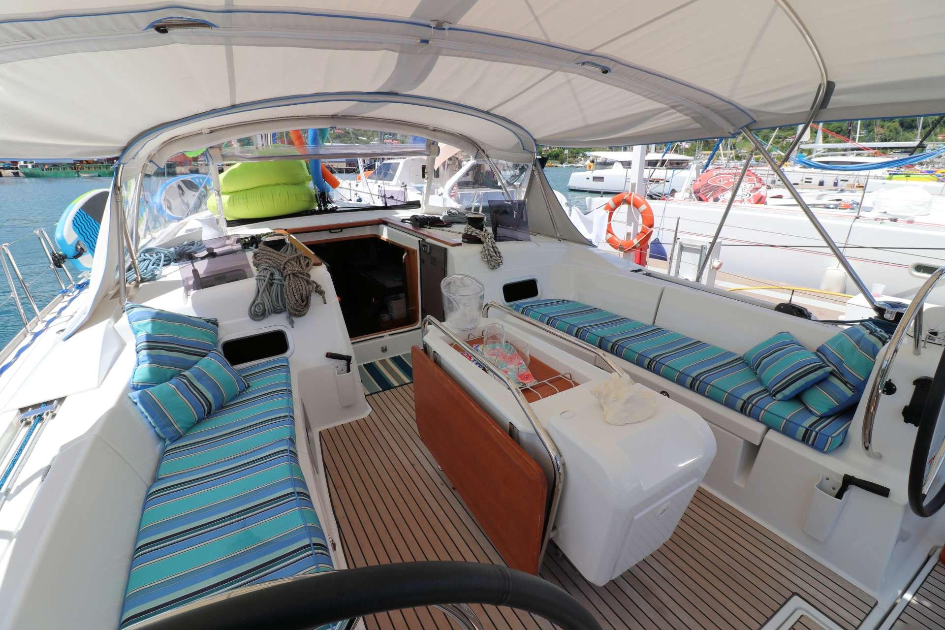 DAUNTLESS yacht image # 9