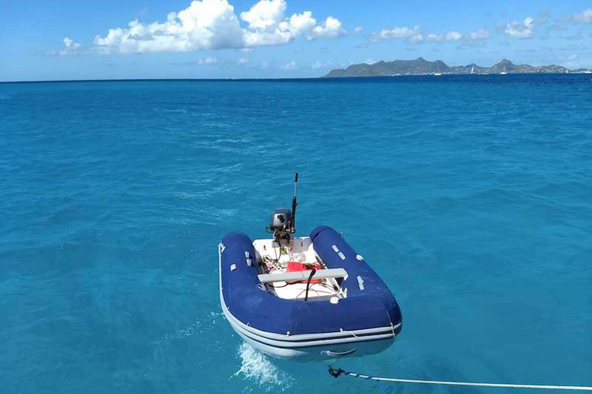 DAUNTLESS yacht image # 11