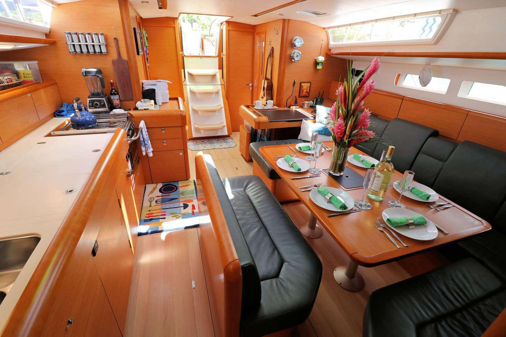 DAUNTLESS yacht image # 2