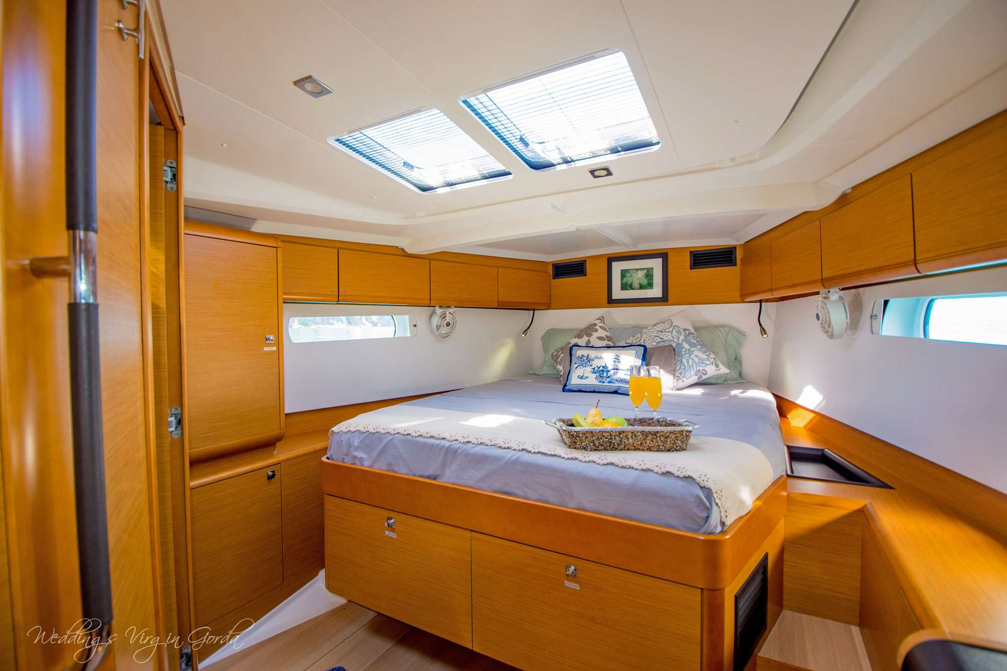 DAUNTLESS yacht image # 5
