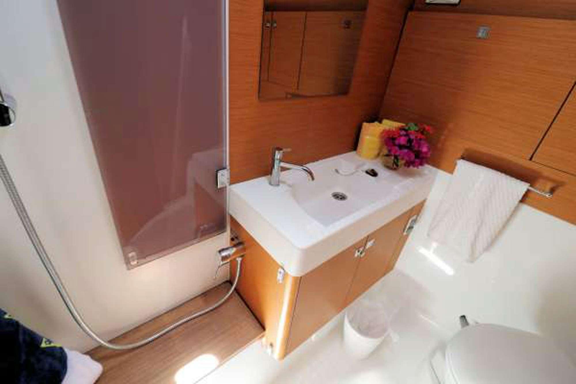 Guest Cabin 1 (Top Bunk/Twin Cabin)