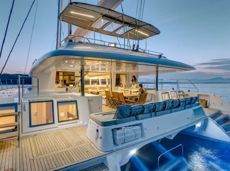 Yacht charter Ava Isabella