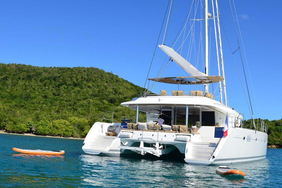 Catamaran Charter Bacchus