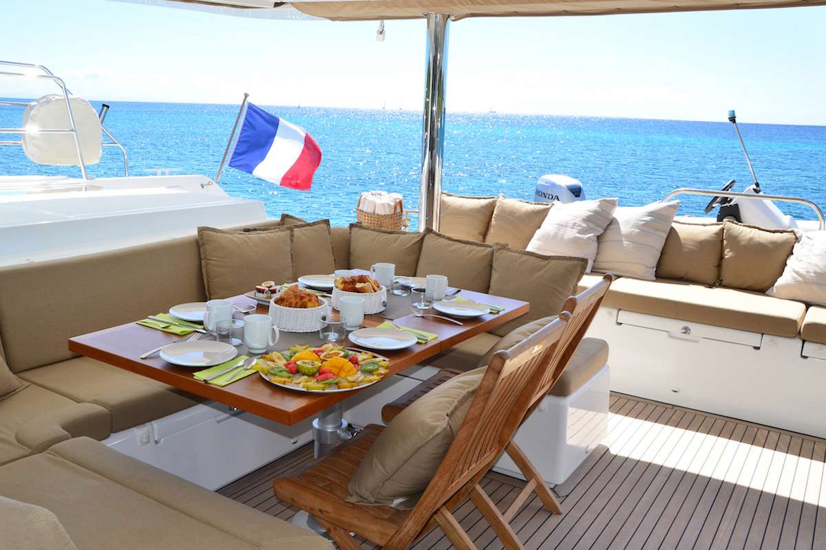 Yacht charter Bacchus