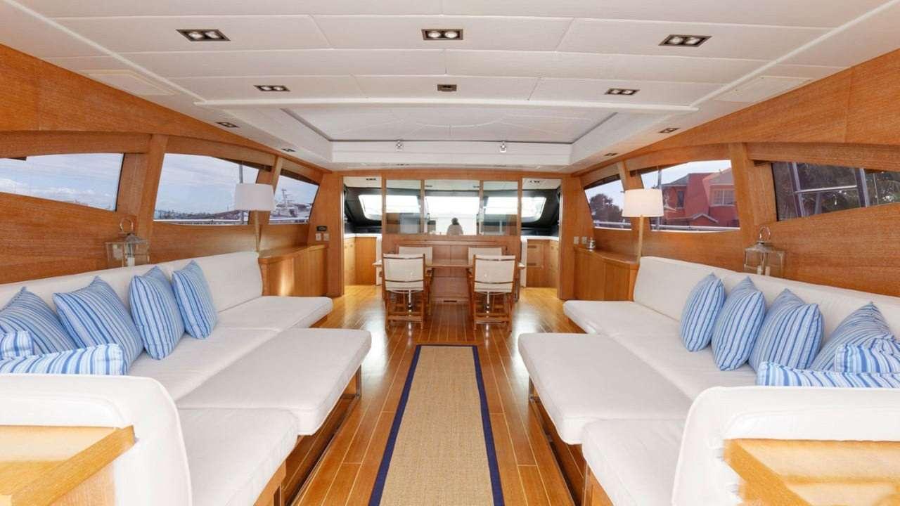 motor yacht EVA