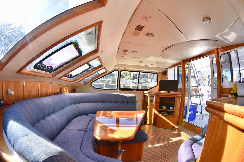 Yacht charter Nautilus