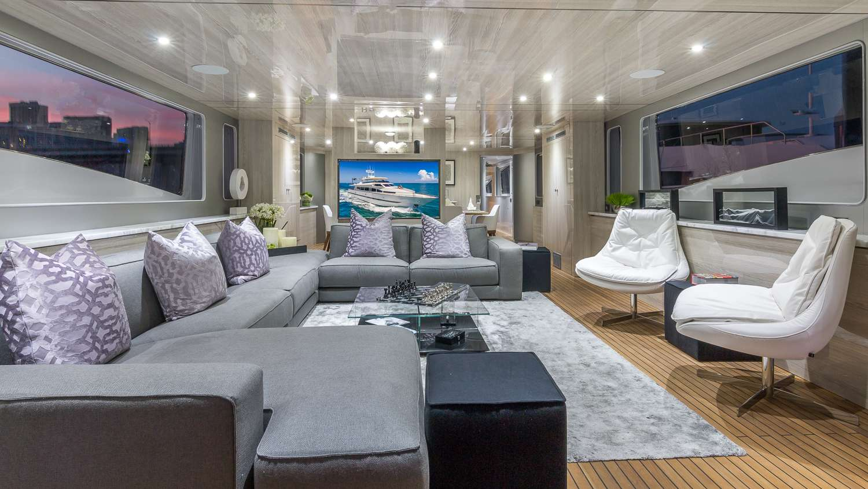 motor yacht Nirvana