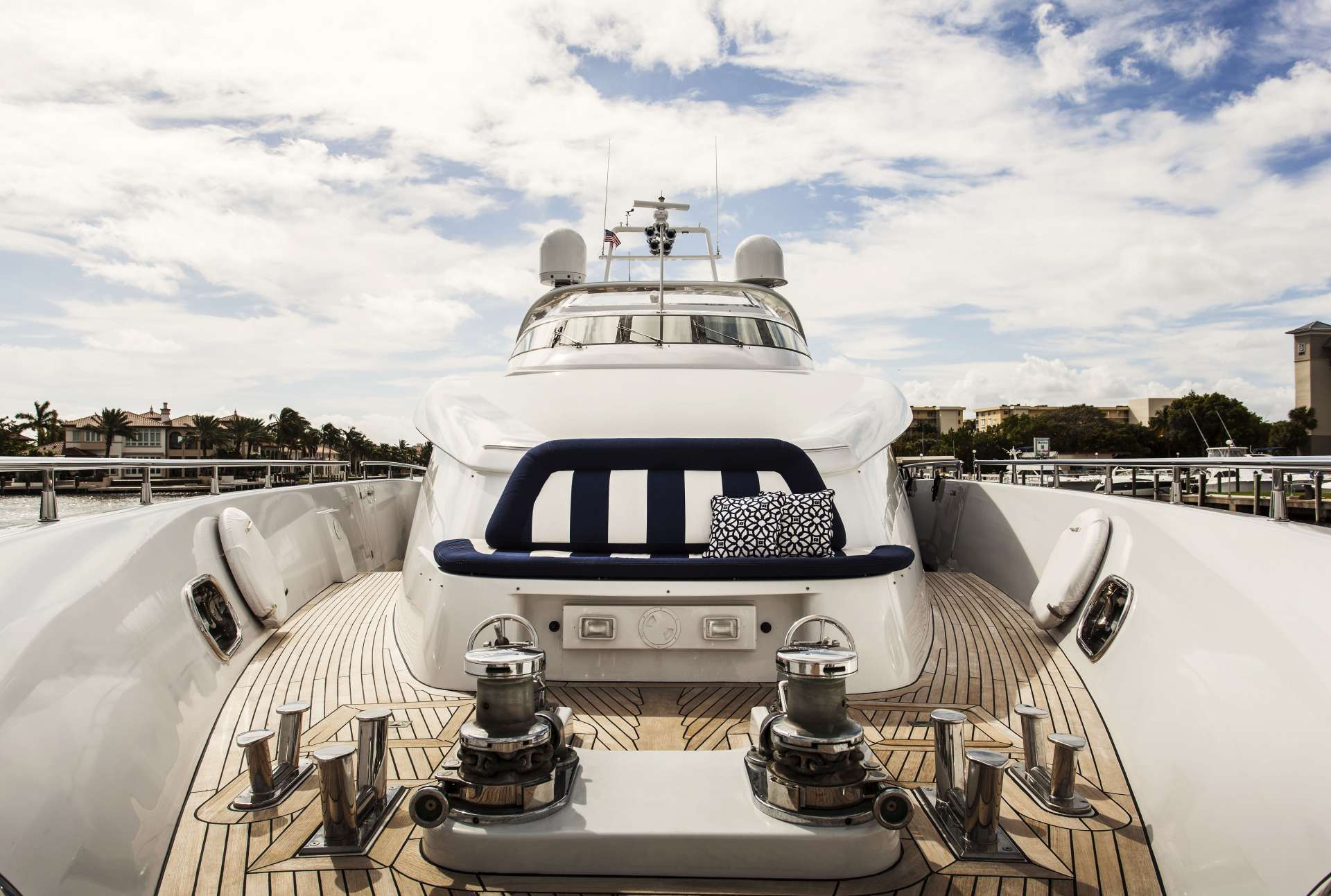 motor yacht CHARISMA