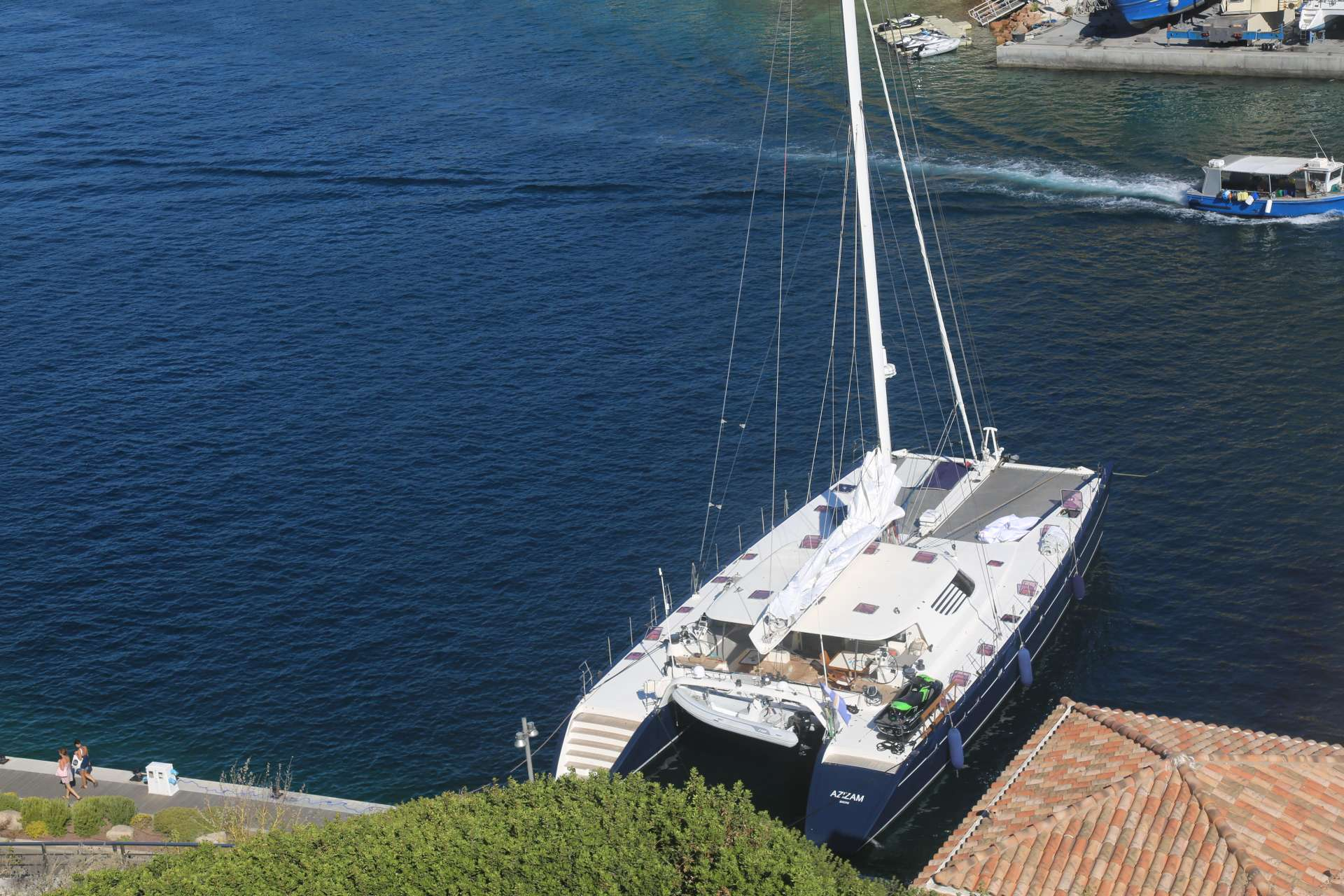 Catamaran Charter Azizam