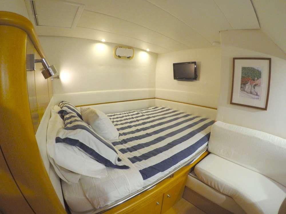 Catamaran Charter Kelea