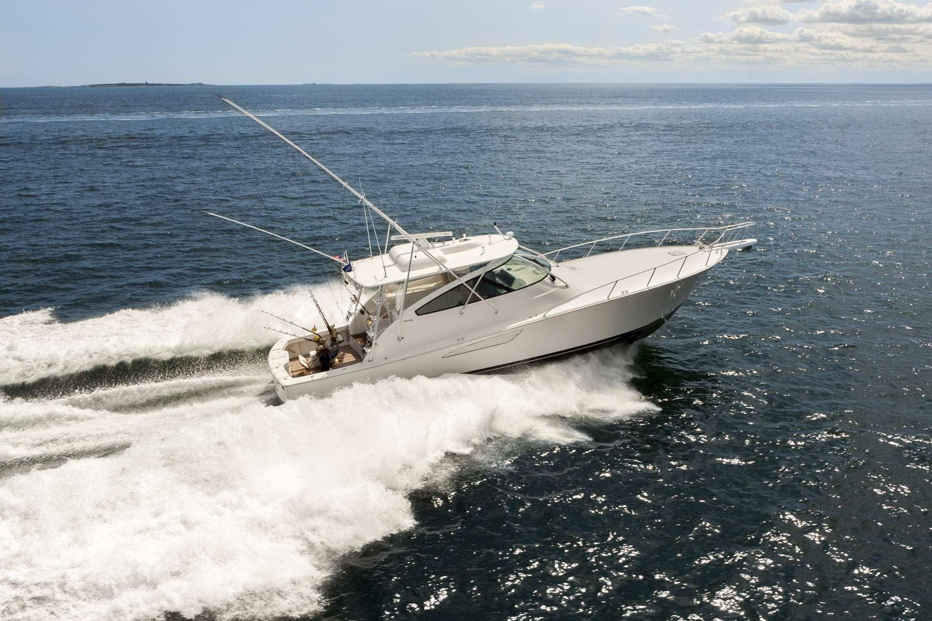 motor yacht AXIS