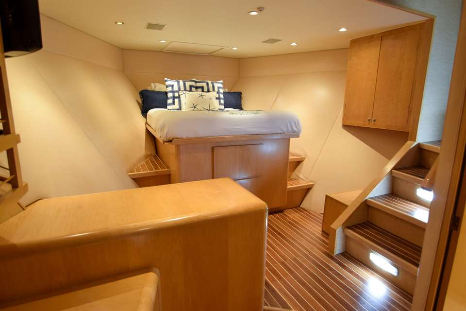 motor yacht ISLAND VIBES
