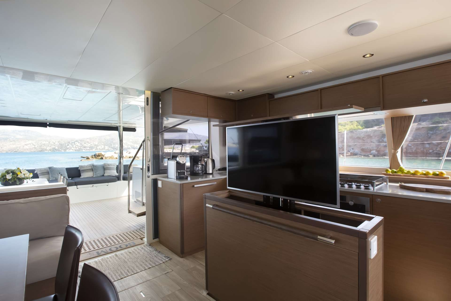 Yacht charter Boom