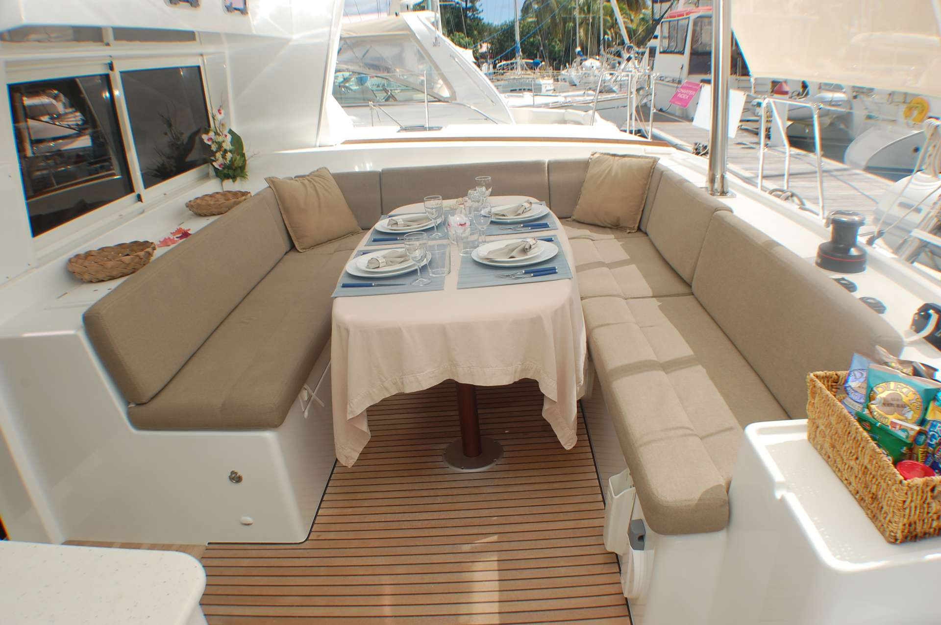 cockpit dining table