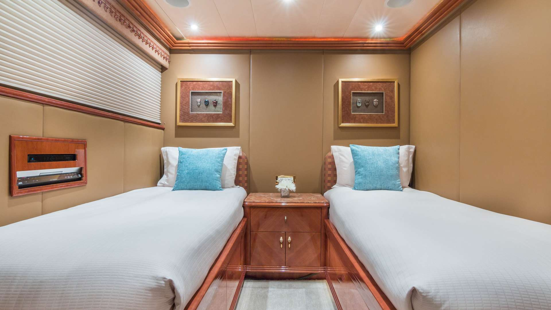 motor yacht TROCA ONE