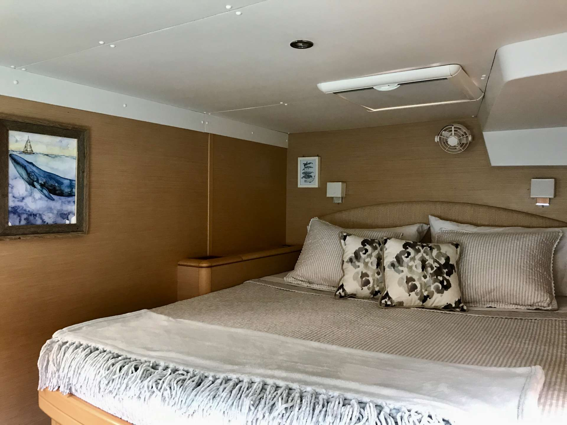Cabin with ensuite, light and airy, but with block out curtains and blinds for your comfort
