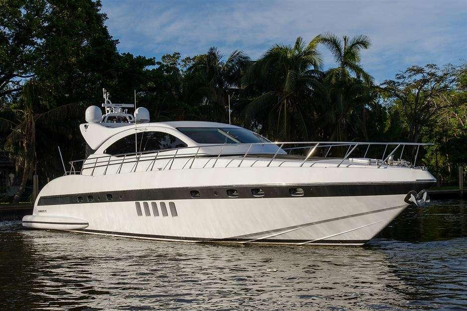 motor yacht YCM