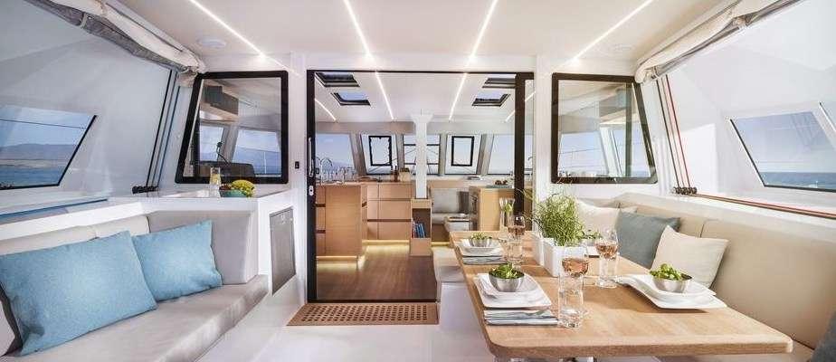 Yacht charter Flo