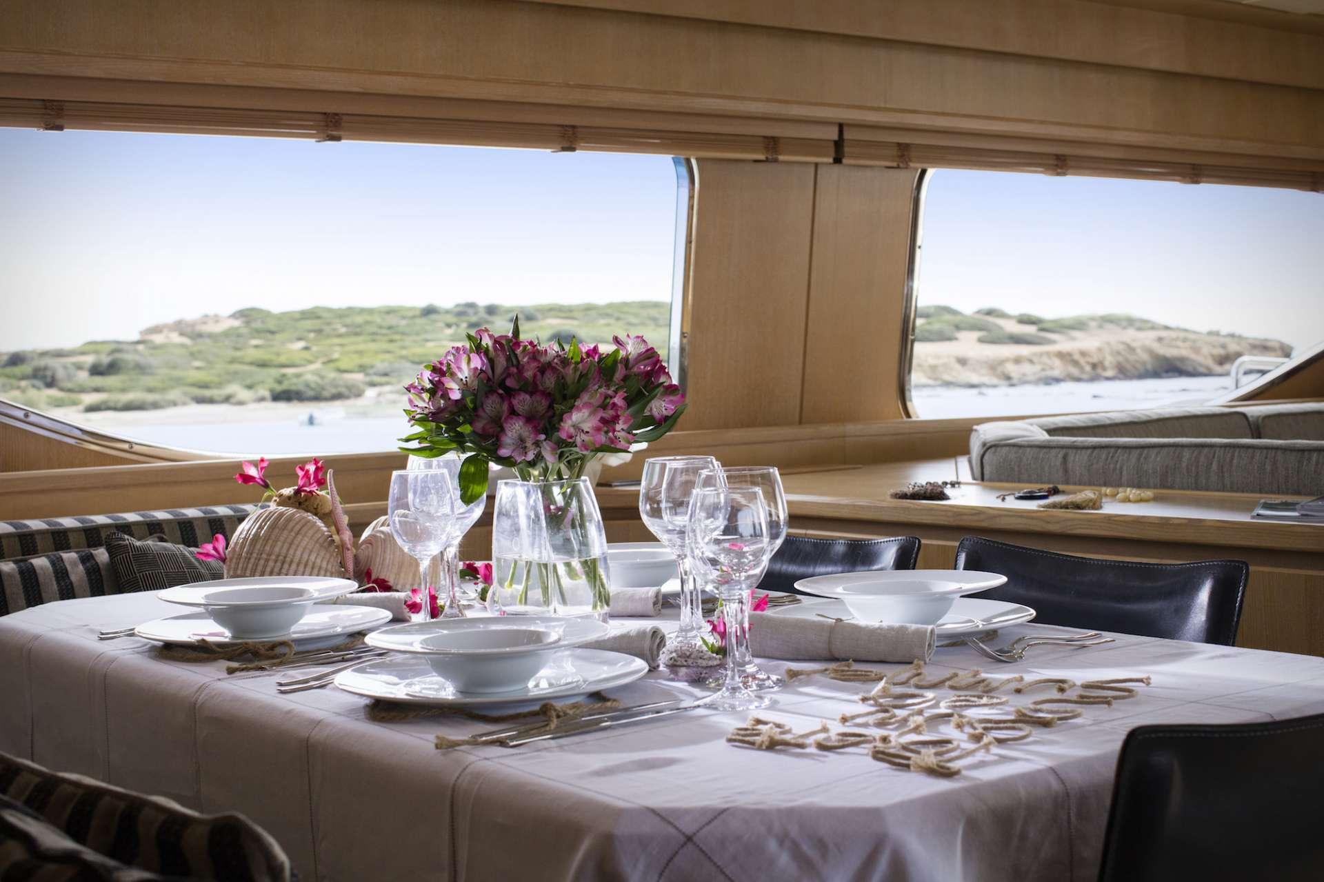 motor yacht EMSAFFA