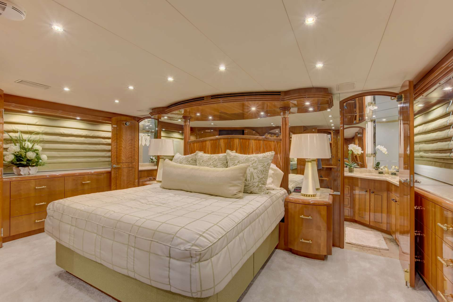 motor yacht VESPER