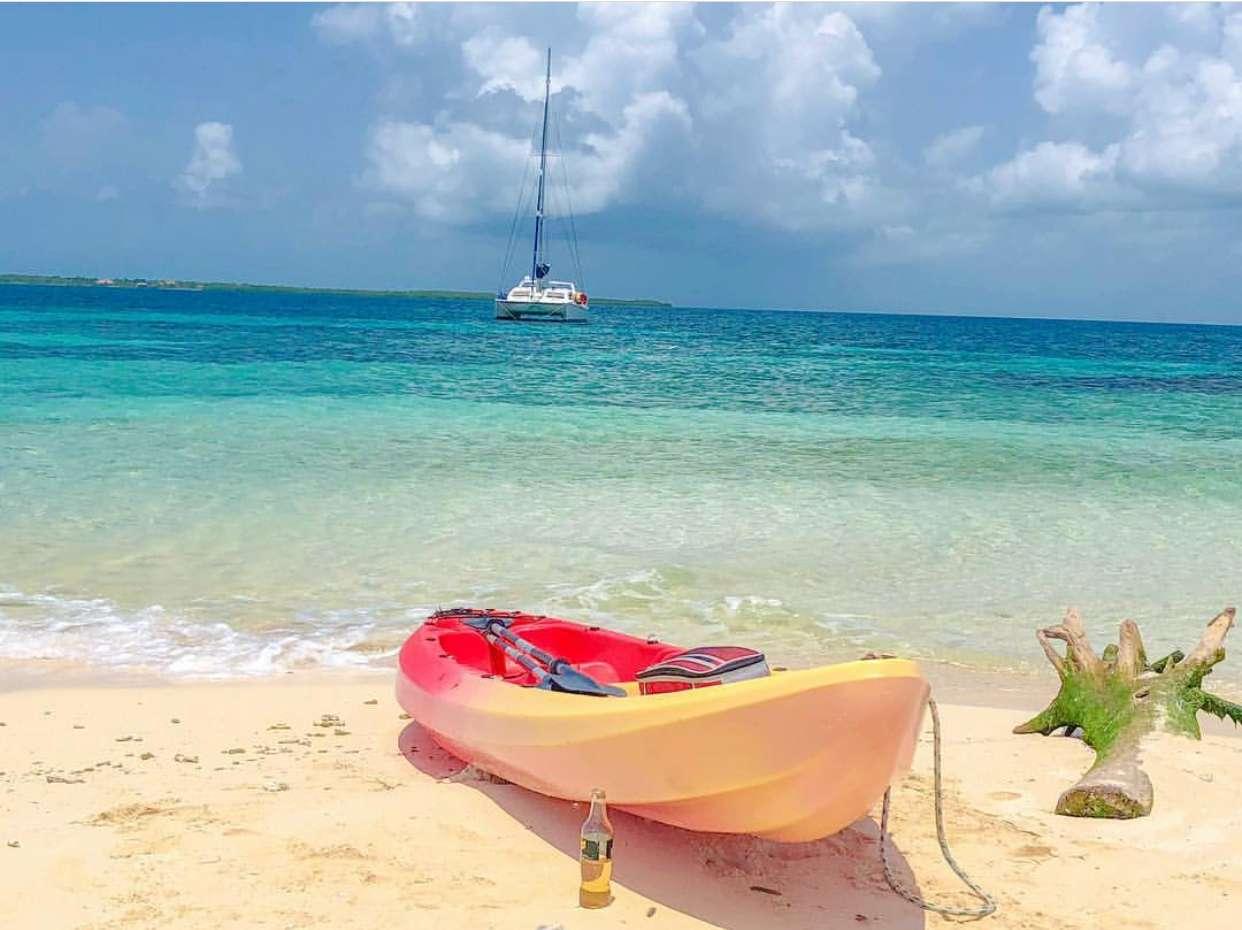 Catamaran Charter Island Girl