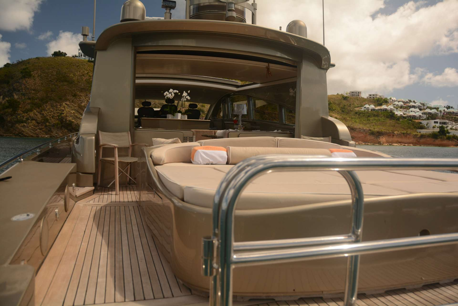 Aft deck sunpad conversion