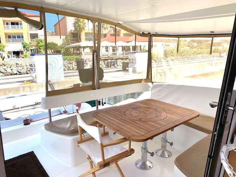 Yacht charter Alladora