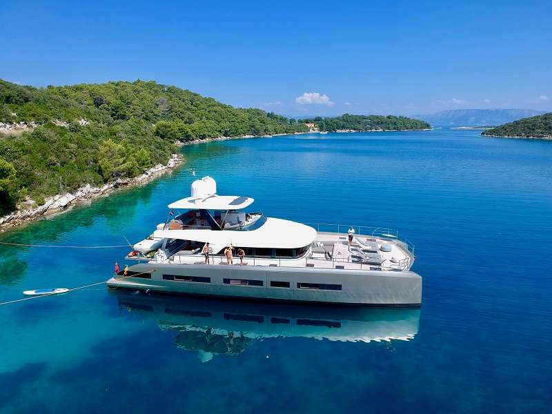 Catamaran Charter Double Down
