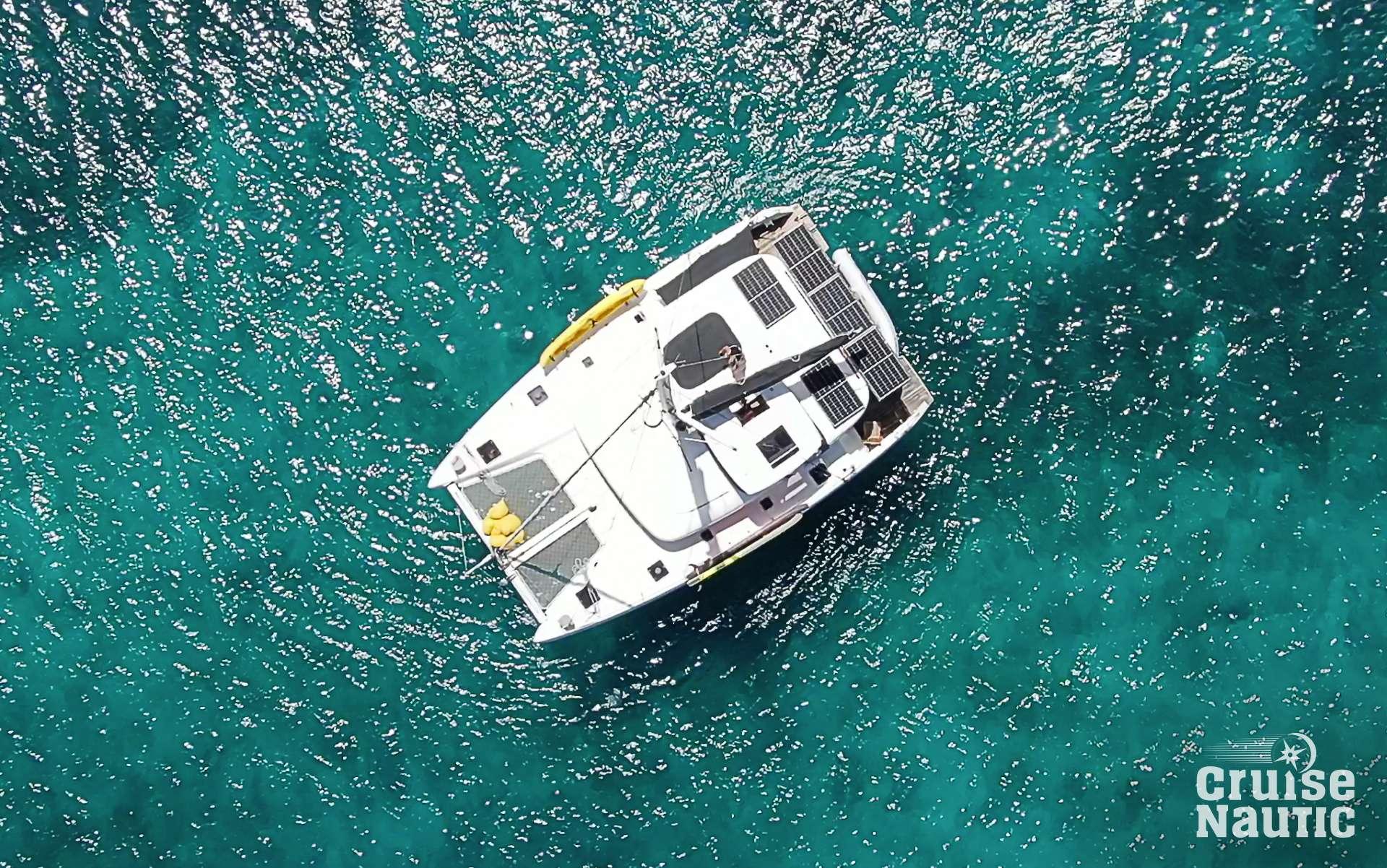 charter yacht Cruisenautic