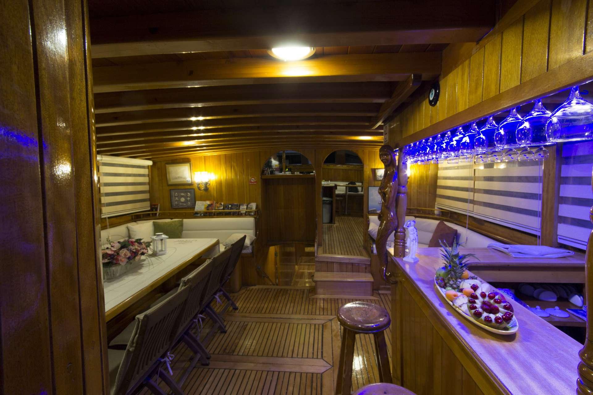 motor yacht Hera