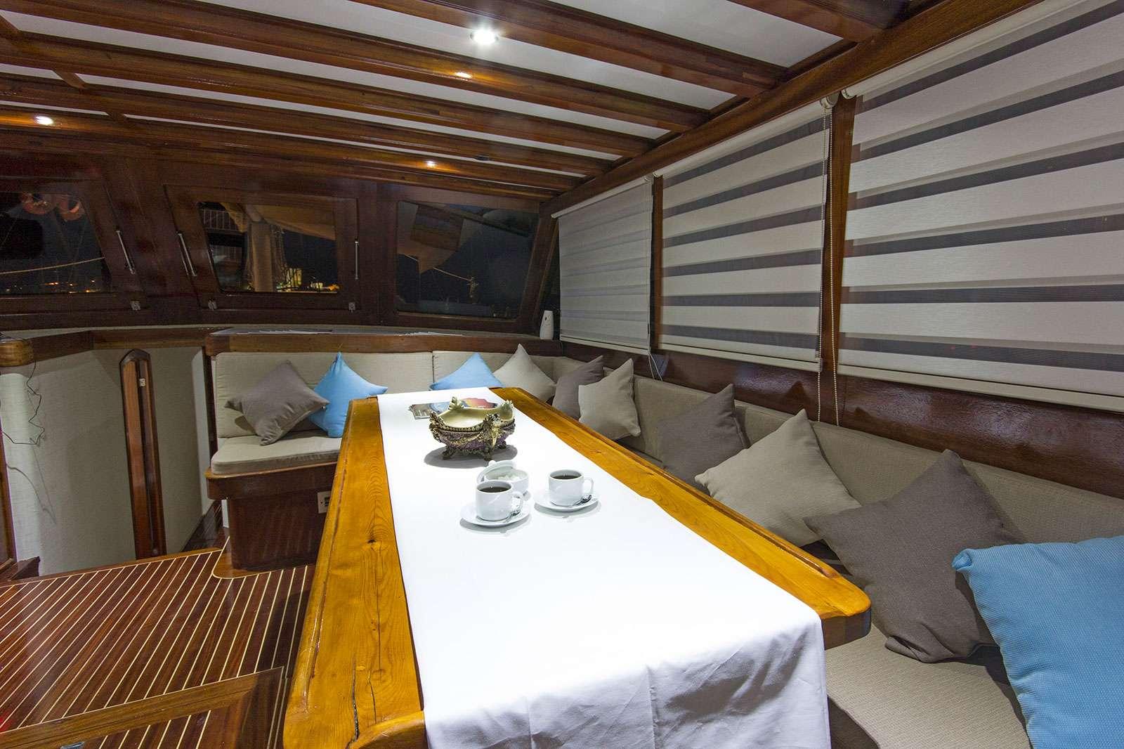 Catamaran Charter Hemera