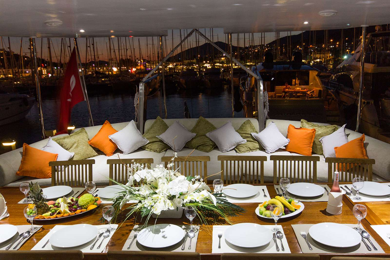 Yacht charter Hemera