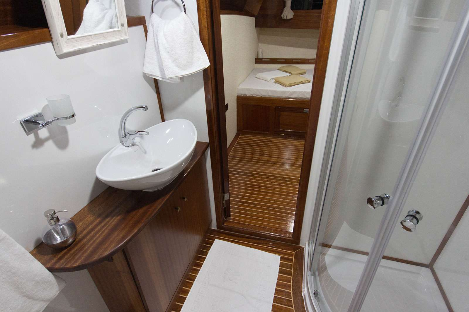 Hemera Yacht Vacation