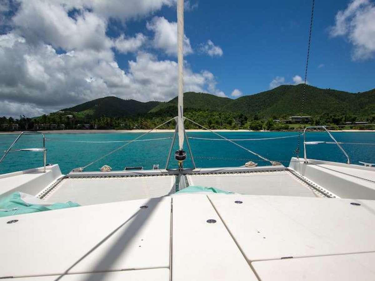 Catamaran Charter Dolphin Daze