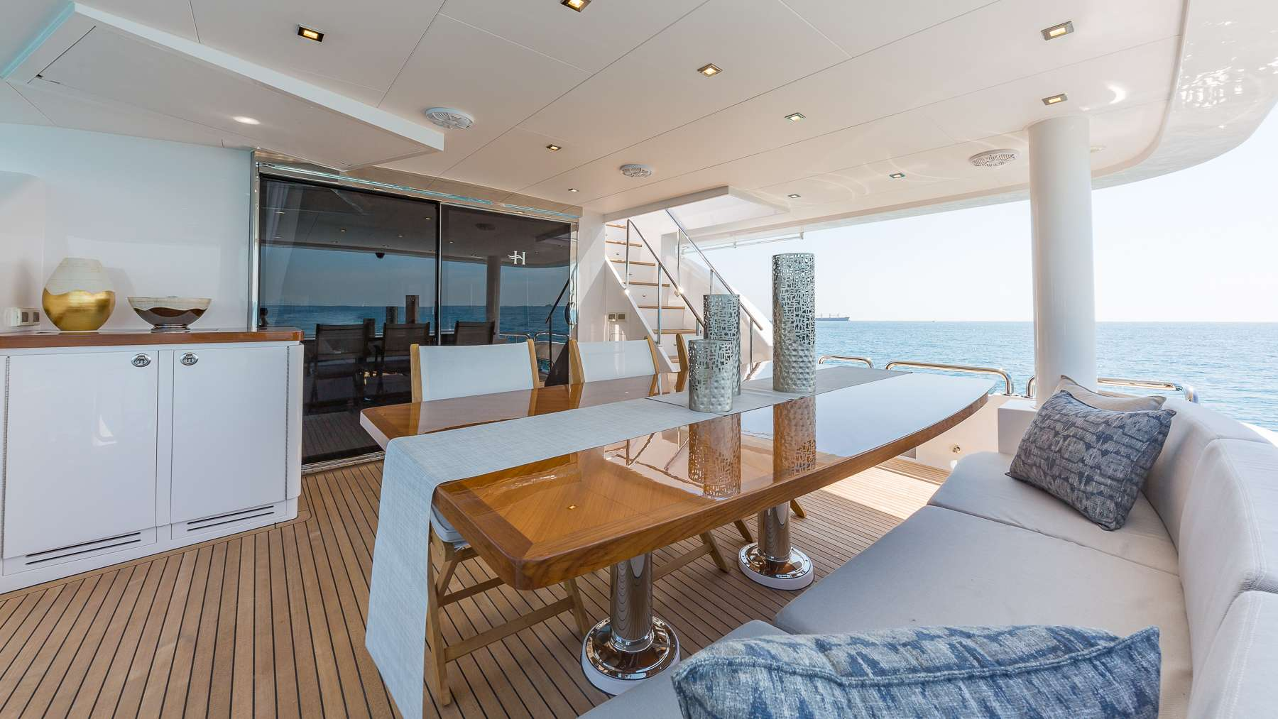 motor yacht MB III