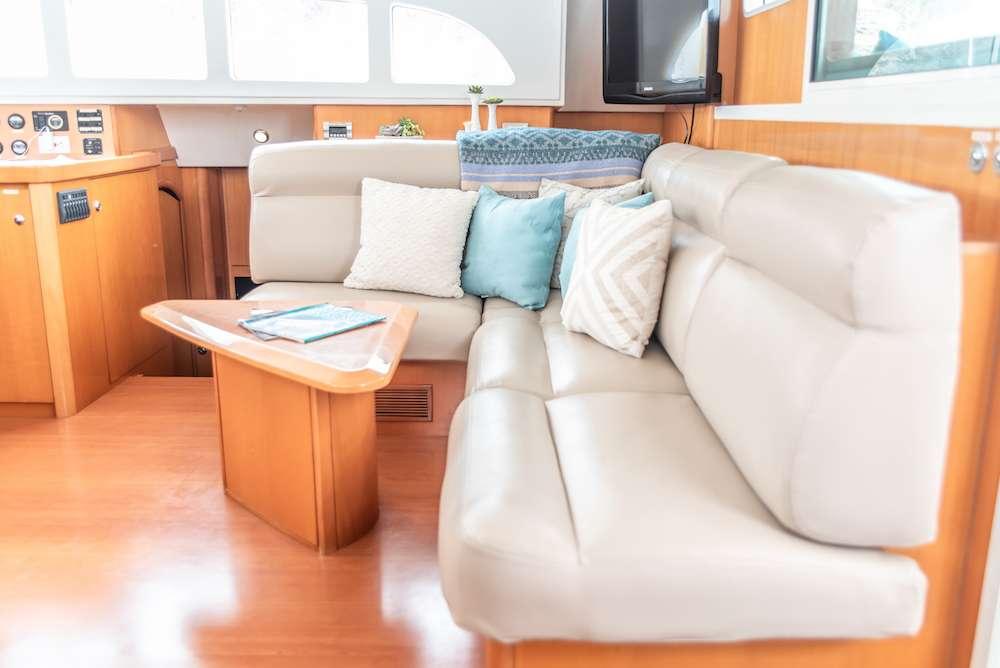 Yacht charter Tabula Rasa
