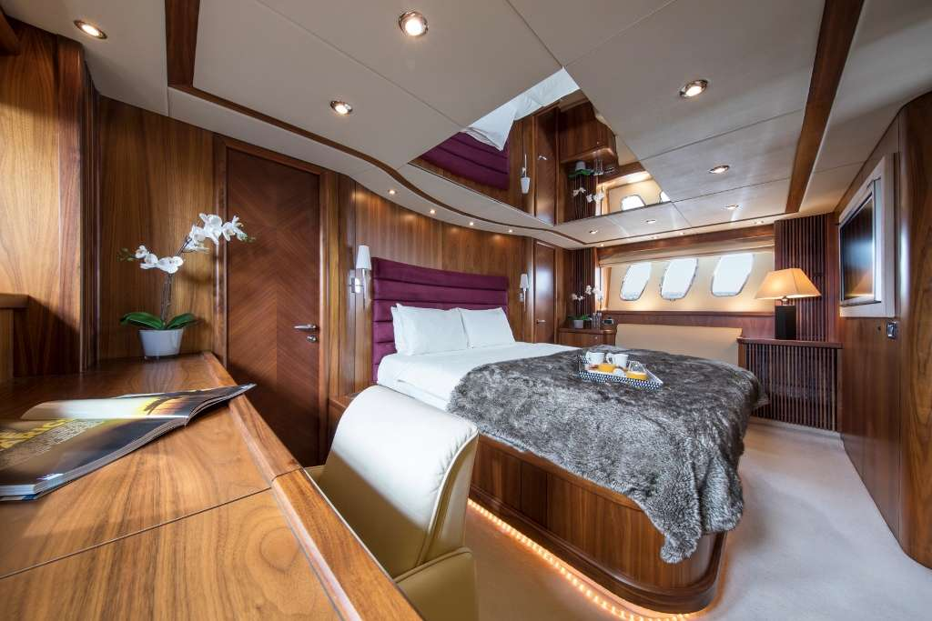 Exceso - Master Cabin