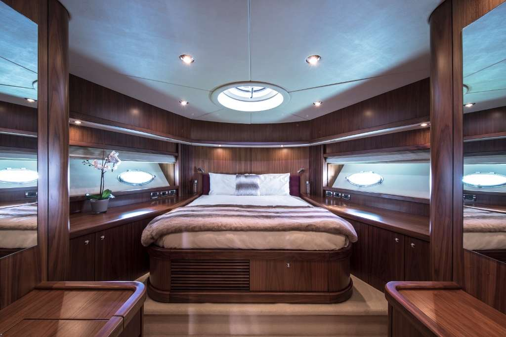 Exceso - VIP Cabin