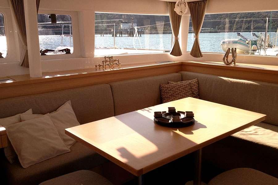 Yacht charter Cap Prague