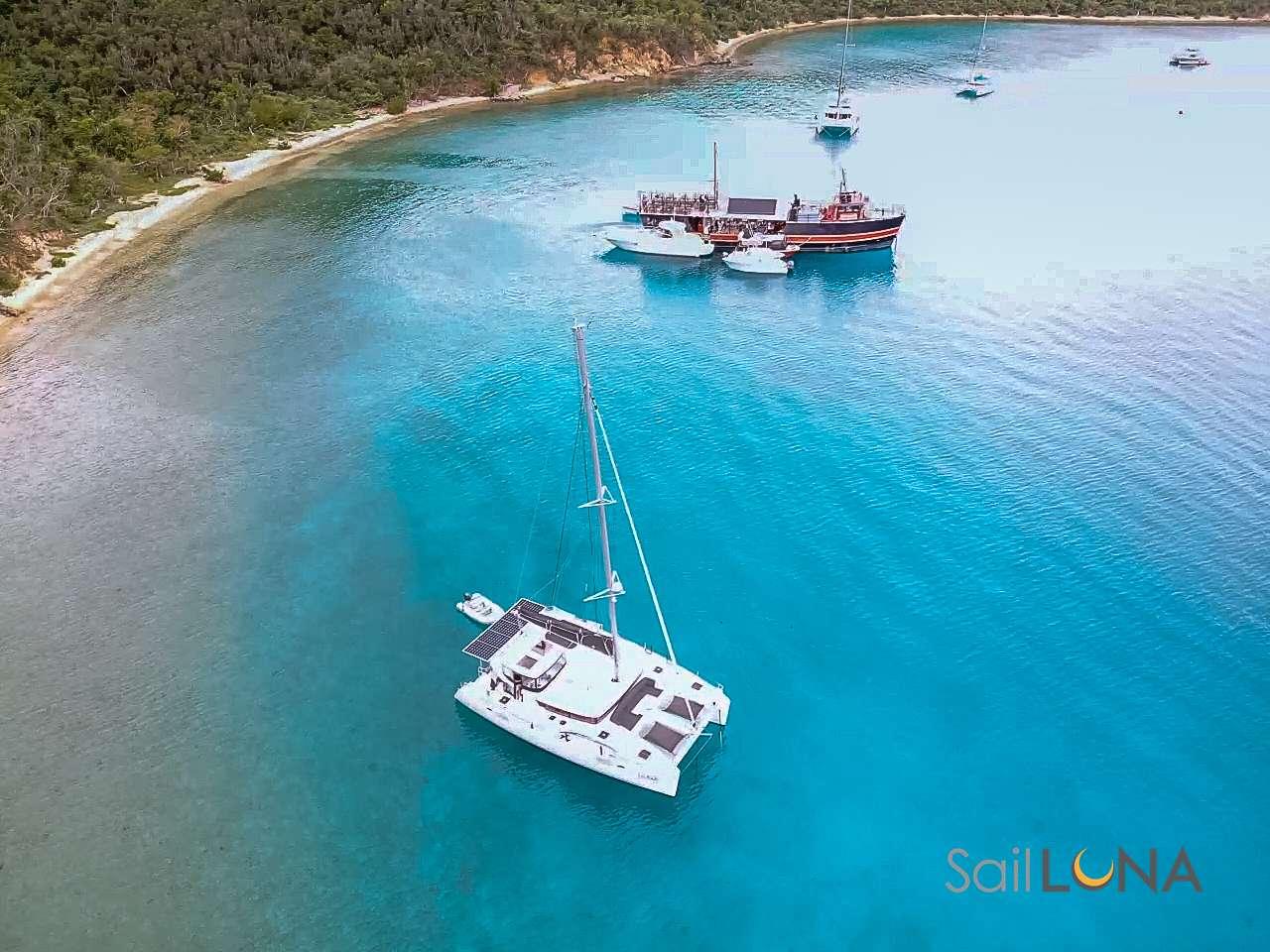 LUNA yacht image # 11