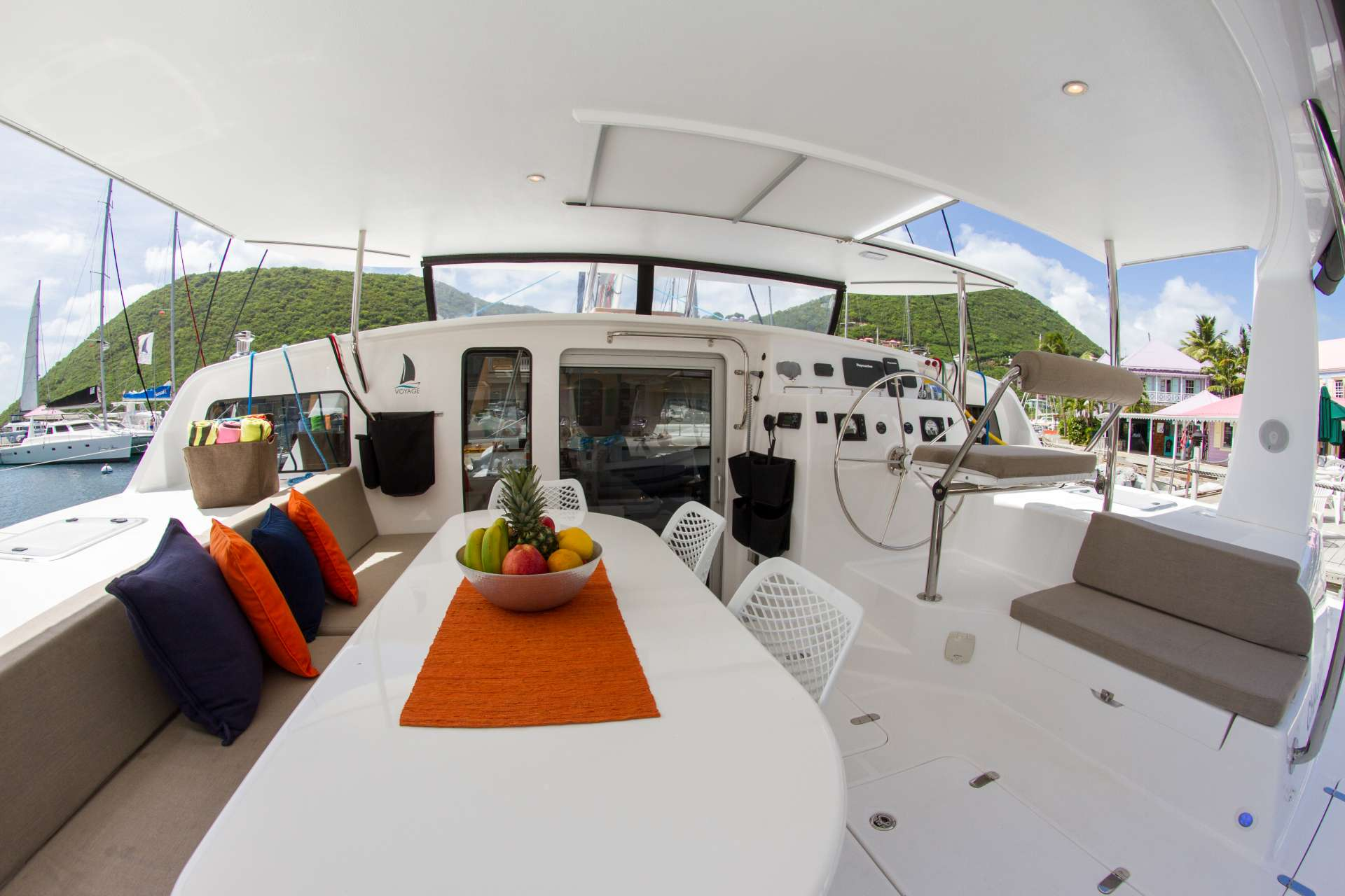 Yacht charter Voyage 480