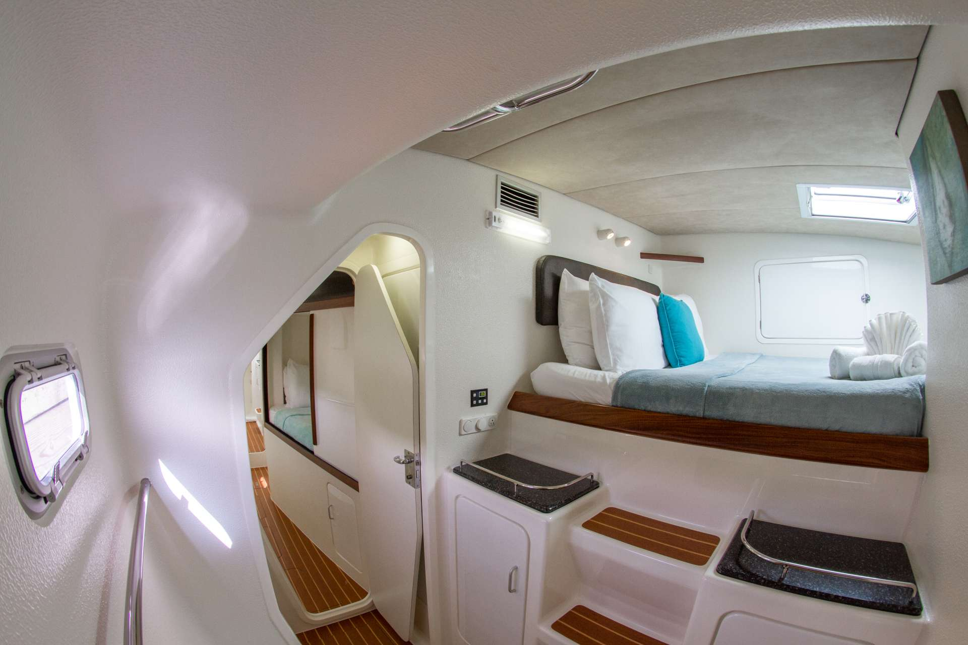 Voyage 520 Yacht Vacation