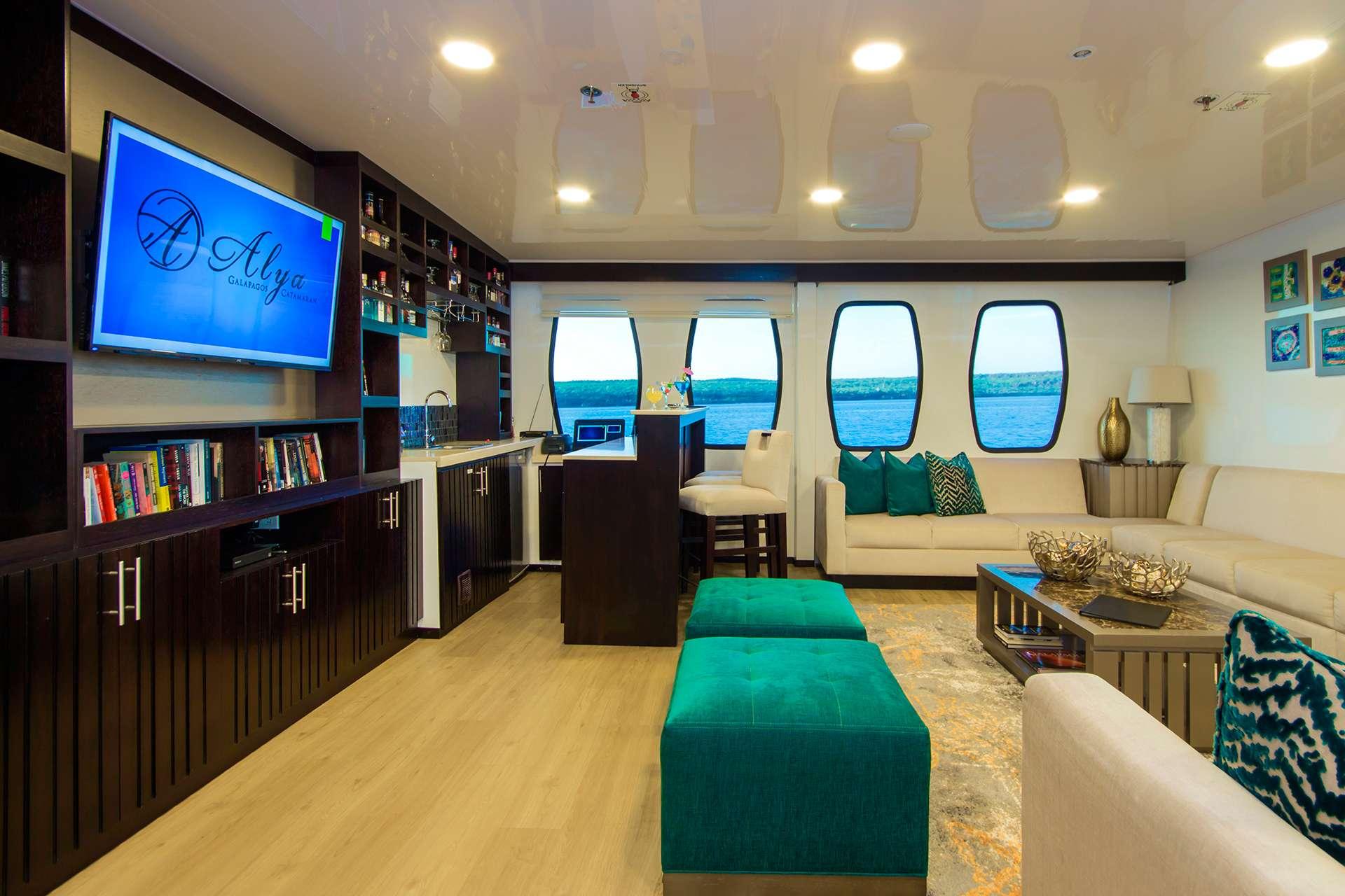 Catamaran Charter Alya
