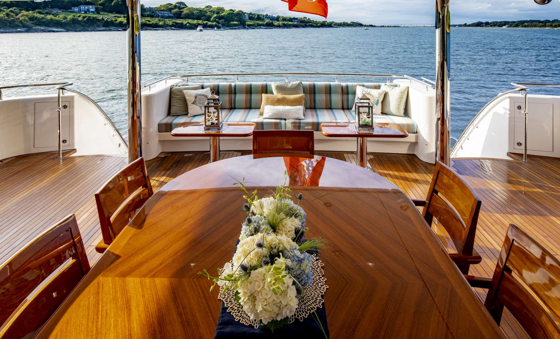 motor yacht Endeavour