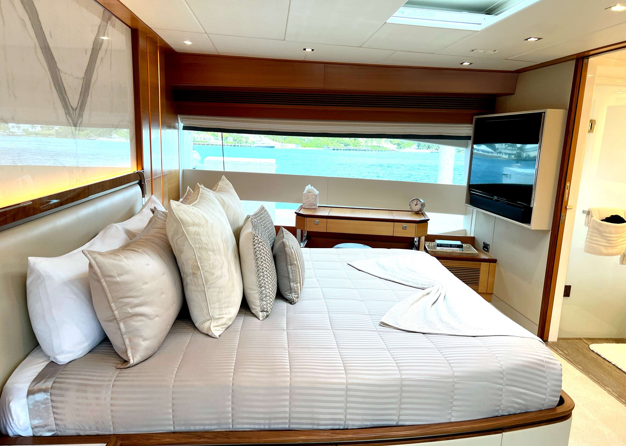 Full width master king suite