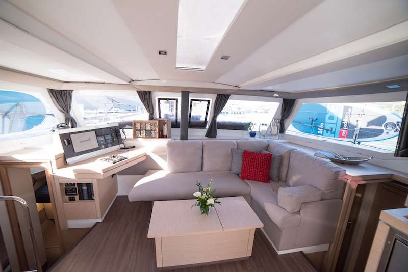 Saloon with excellent visibility
