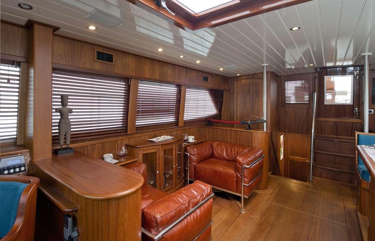 DOMICIL yacht image # 1