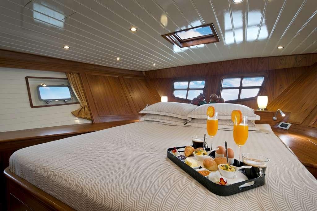 DOMICIL yacht image # 3