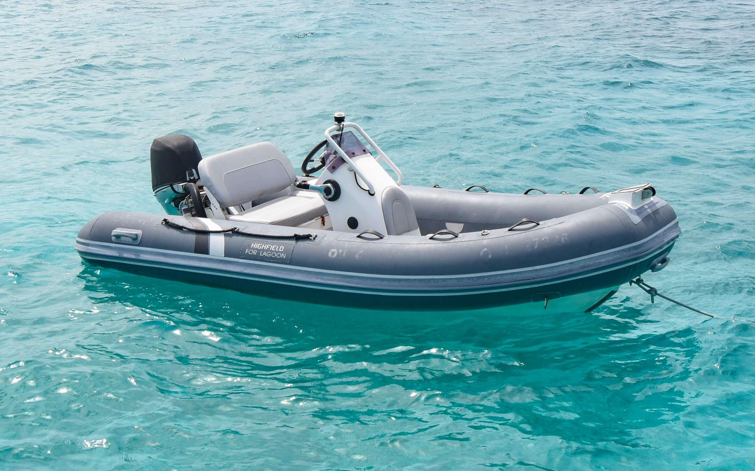 Catamaran Charter Oui Chérie