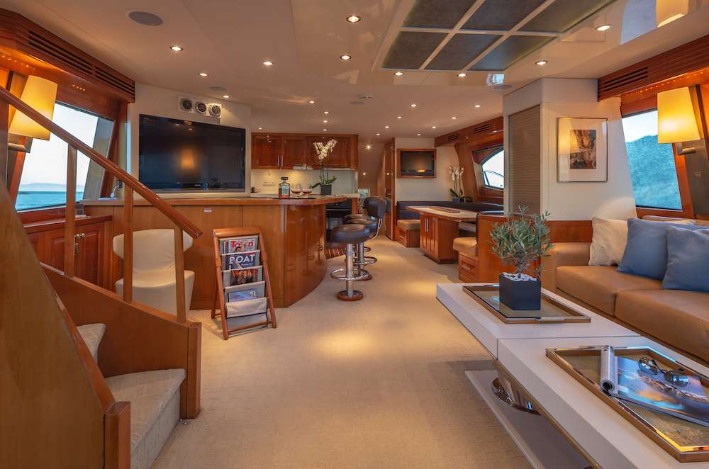 motor yacht ASTRAPE